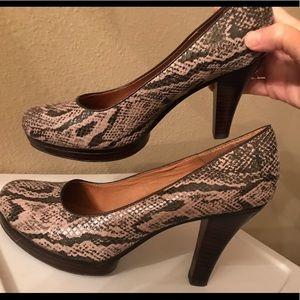 Sofft ladies pumps size 9.5 excellent little wear